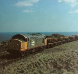 Class 37, 37514, rounds Huntcliff (1986)