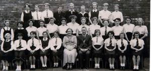 Skinningrove Senior School – Choir – 1956